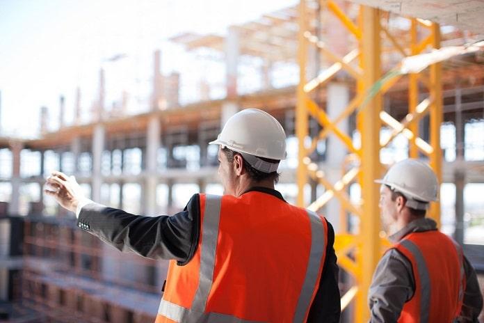 Jenis-jenis Rompi Safety yang Sering Dipakai Pekerja Proyek